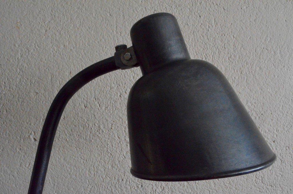 bauhaus schreibtischlampe aus metall 1930er bei pamono kaufen. Black Bedroom Furniture Sets. Home Design Ideas