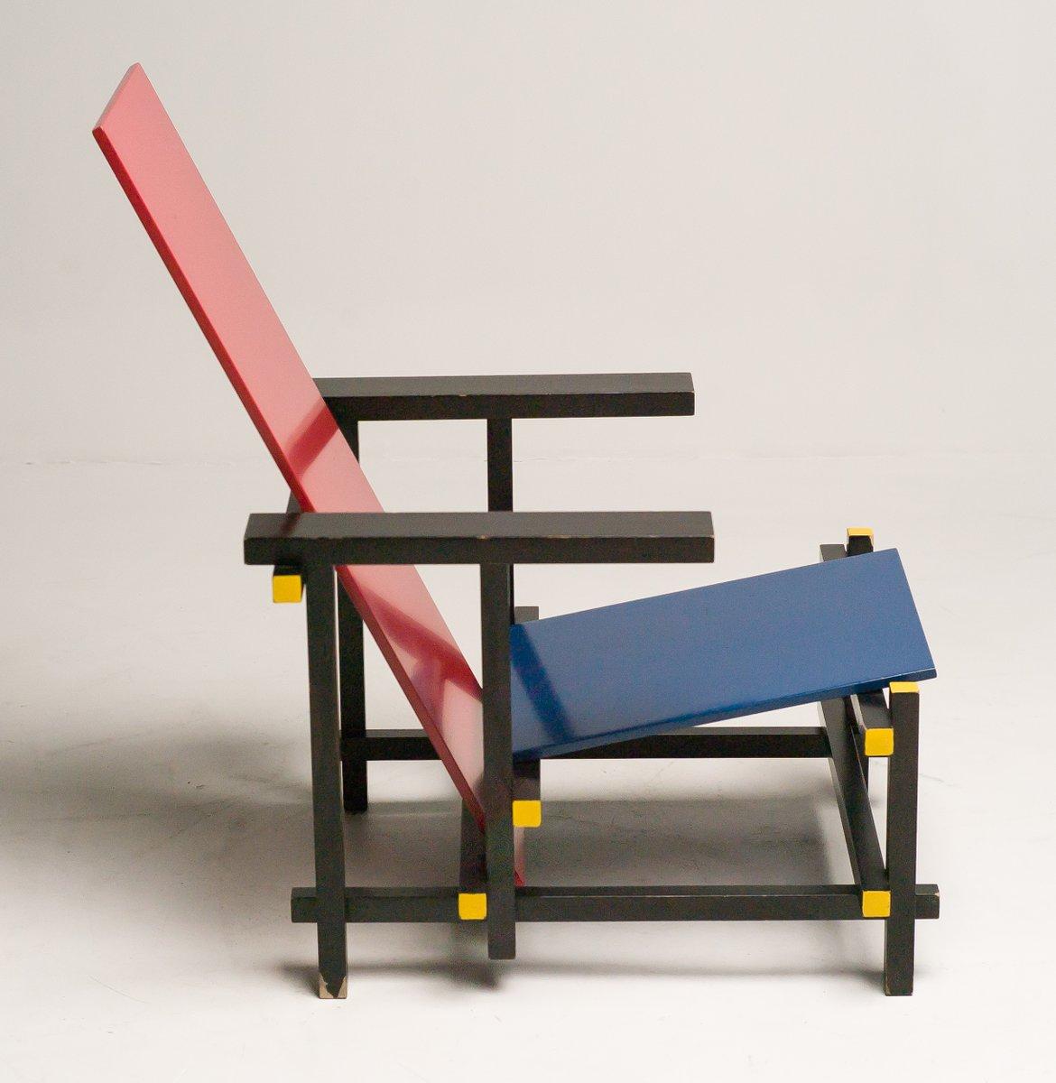 chaise rouge et bleue par gerrit thomas rietveld pour cassina 1978 en vente sur pamono. Black Bedroom Furniture Sets. Home Design Ideas