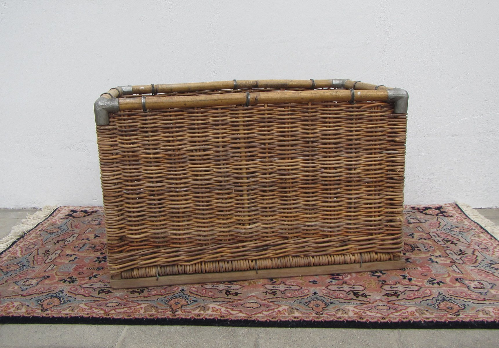 Large Wicker Laundry Basket, 1950s For Sale At Pamono