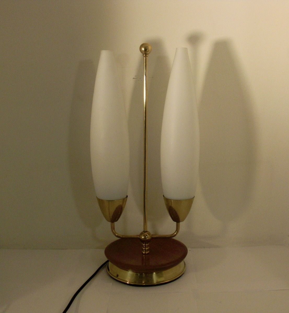vintage lamp with two opaline glass shades for sale at pamono. Black Bedroom Furniture Sets. Home Design Ideas