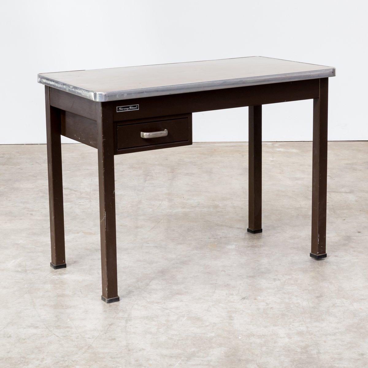 schreibtisch aus festem metall von strong steel 1970er bei pamono kaufen. Black Bedroom Furniture Sets. Home Design Ideas
