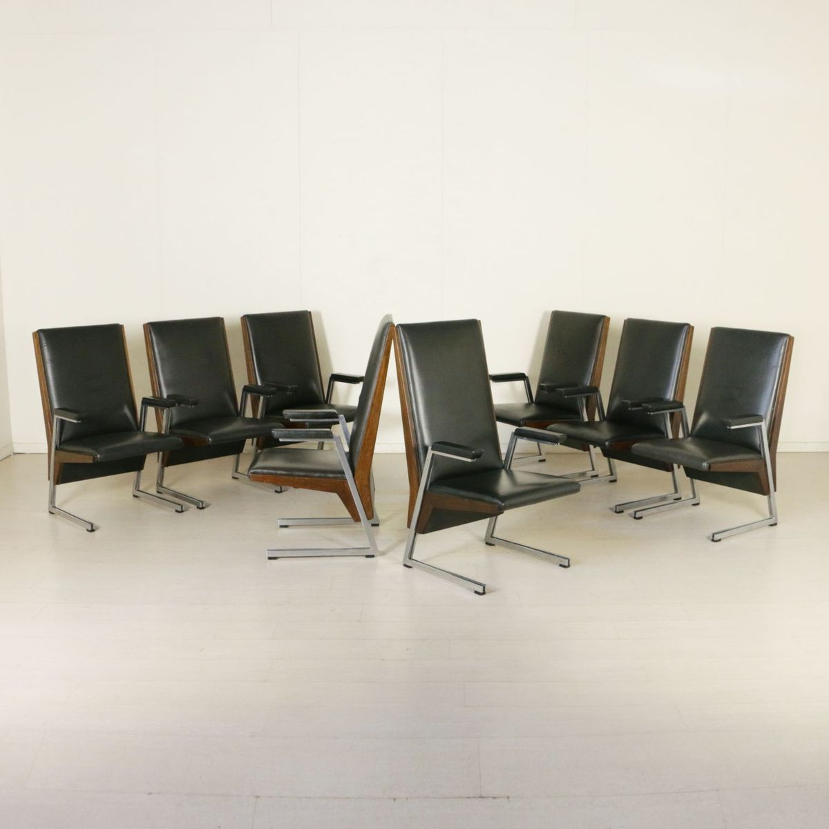 vintage sessel mit armlehnen aus gebeizter buche 8er set bei pamono kaufen. Black Bedroom Furniture Sets. Home Design Ideas