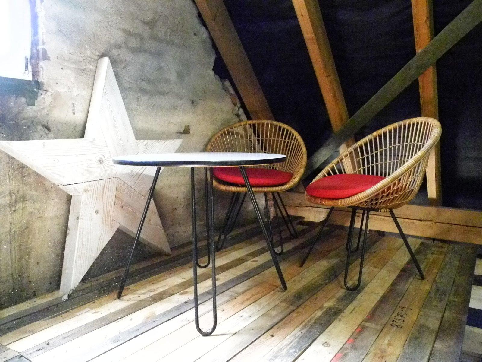 Tavolo e poltrone con gambe a forcina anni 39 50 set di 4 in vendita su pamono - Gambe mobili anni 50 ...