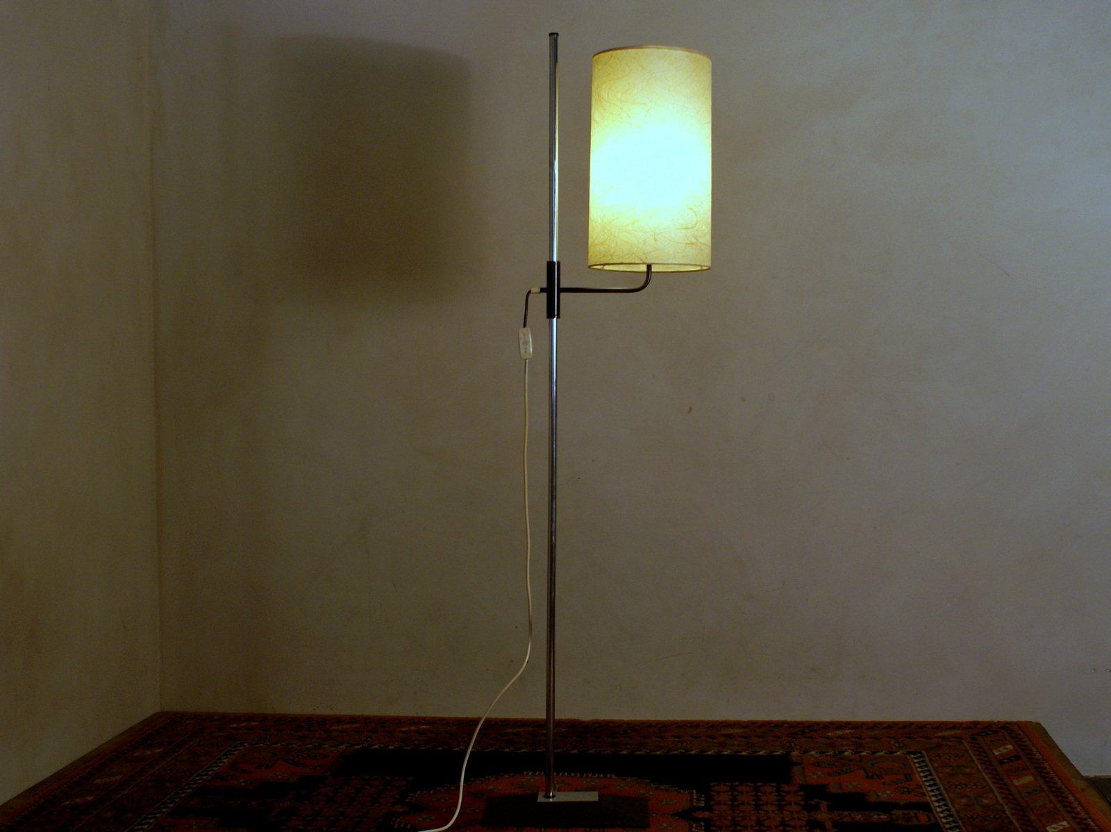 Vintage Stehlampe Mit Fiberglas Schirm Bei Pamono Kaufen
