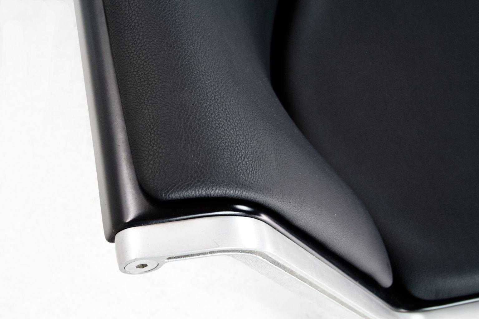 canap deux places 1300 en faux cuir par friso kramer pour wilkhahn 1967 en vente sur pamono. Black Bedroom Furniture Sets. Home Design Ideas