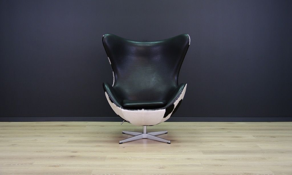 Vintage Danish Cow Leather Egg Chair By Arne Jacobsen For Fritz Hansen 1980s