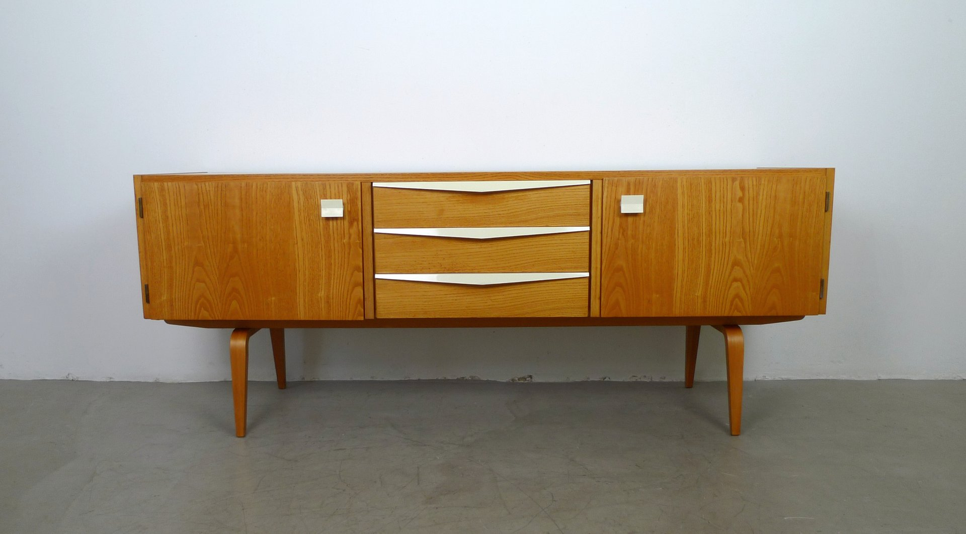 Deutsches Mid-Century Sideboard von Franz Ehrlich für Deutsche Werkstä...