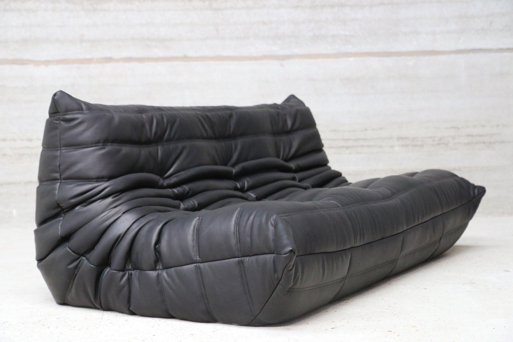 canap trois places togo vintage en cuir noir par michel ducaroy pour ligne roset en vente sur. Black Bedroom Furniture Sets. Home Design Ideas