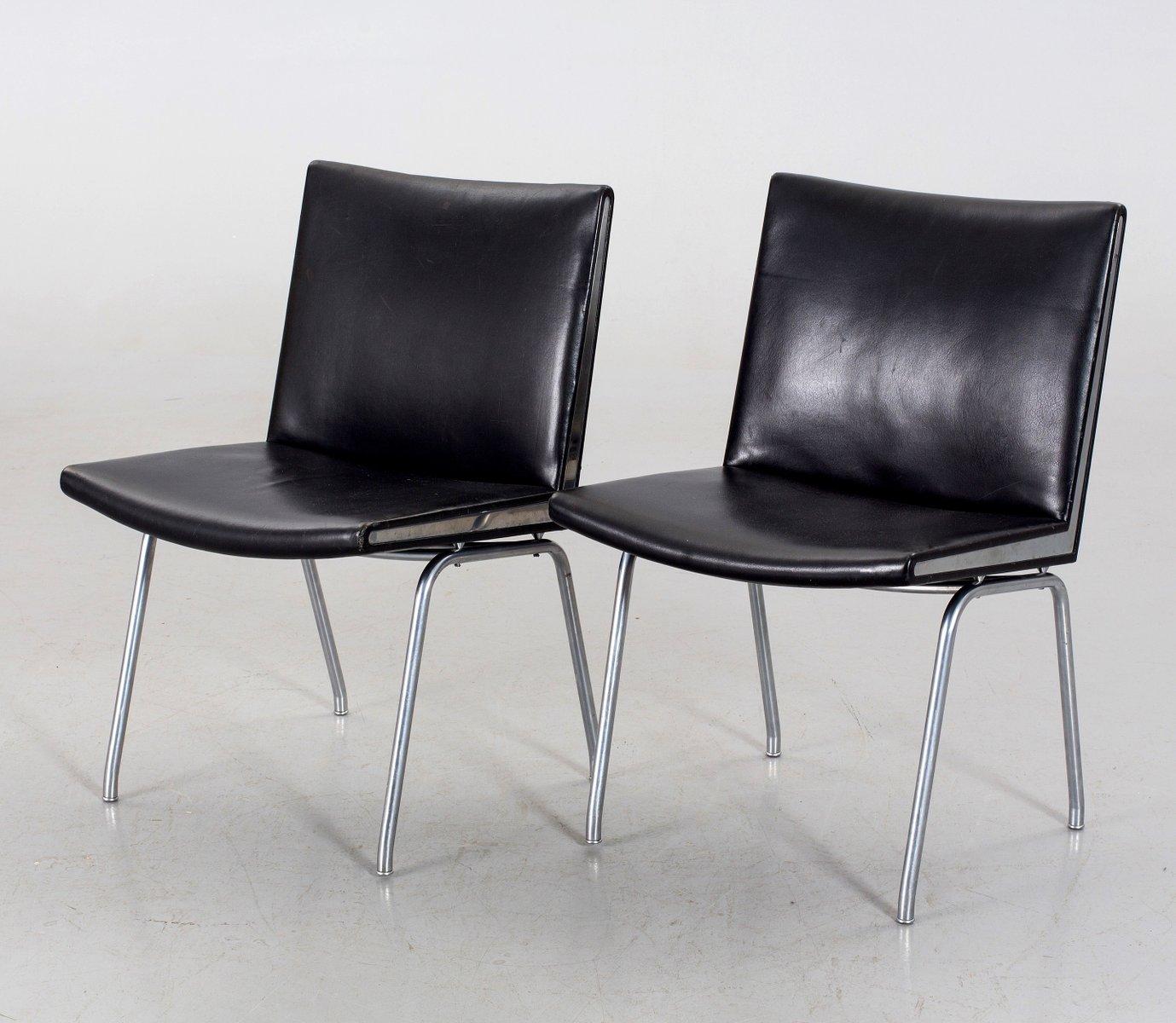 Schwarze Ap-40 Leder Flughafen Stühle von Hans J. Wegner für Ap-stolen...