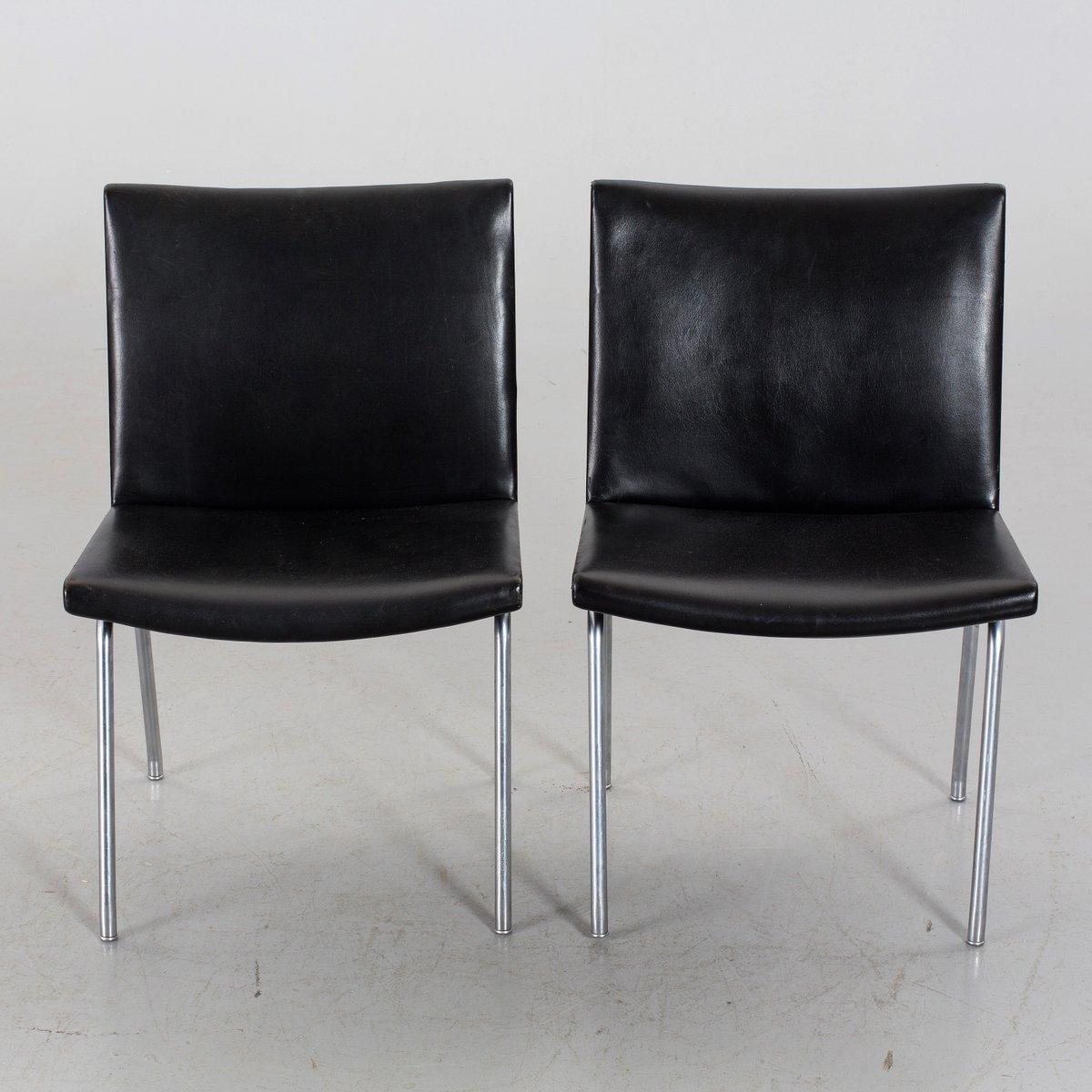 schwarze ap 40 leder flughafen st hle von hans j wegner f r ap stolen 1950er 2er set bei. Black Bedroom Furniture Sets. Home Design Ideas
