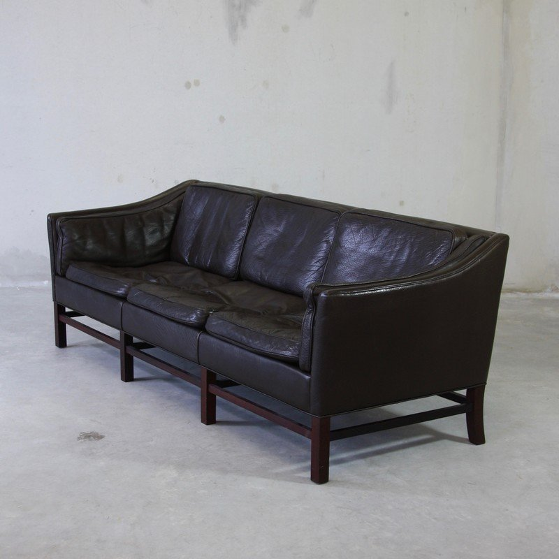 canap trois places en cuir danemark 1970s en vente sur pamono. Black Bedroom Furniture Sets. Home Design Ideas