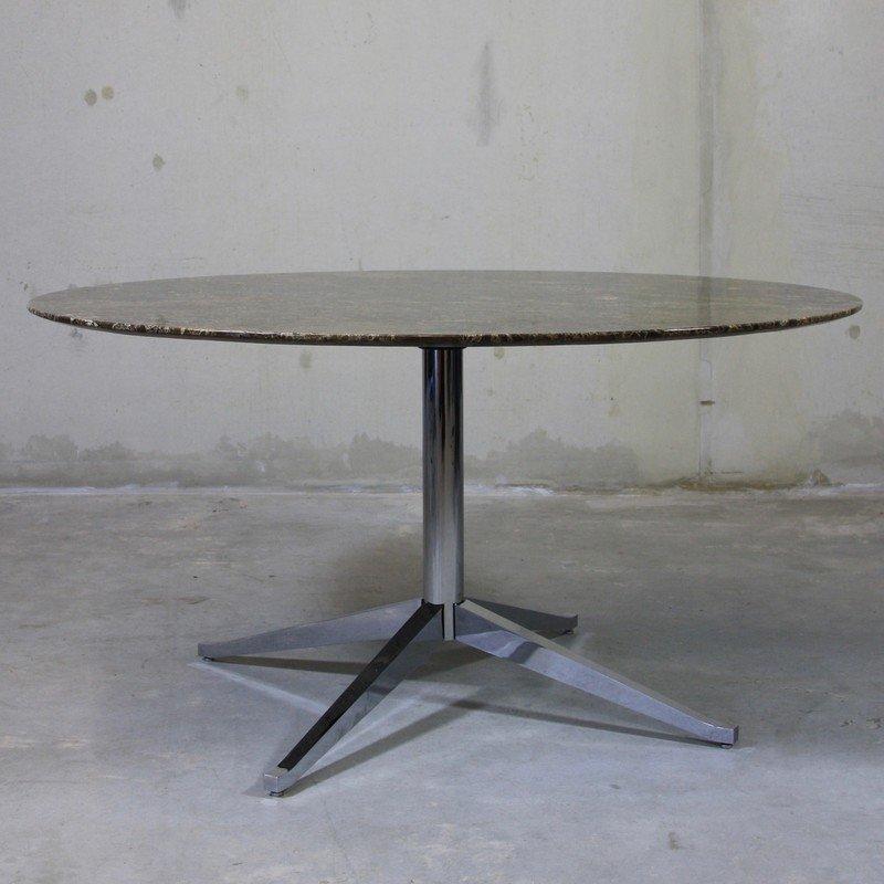 table mid century en marbre ronde par florence knoll pour knoll international en vente sur pamono. Black Bedroom Furniture Sets. Home Design Ideas