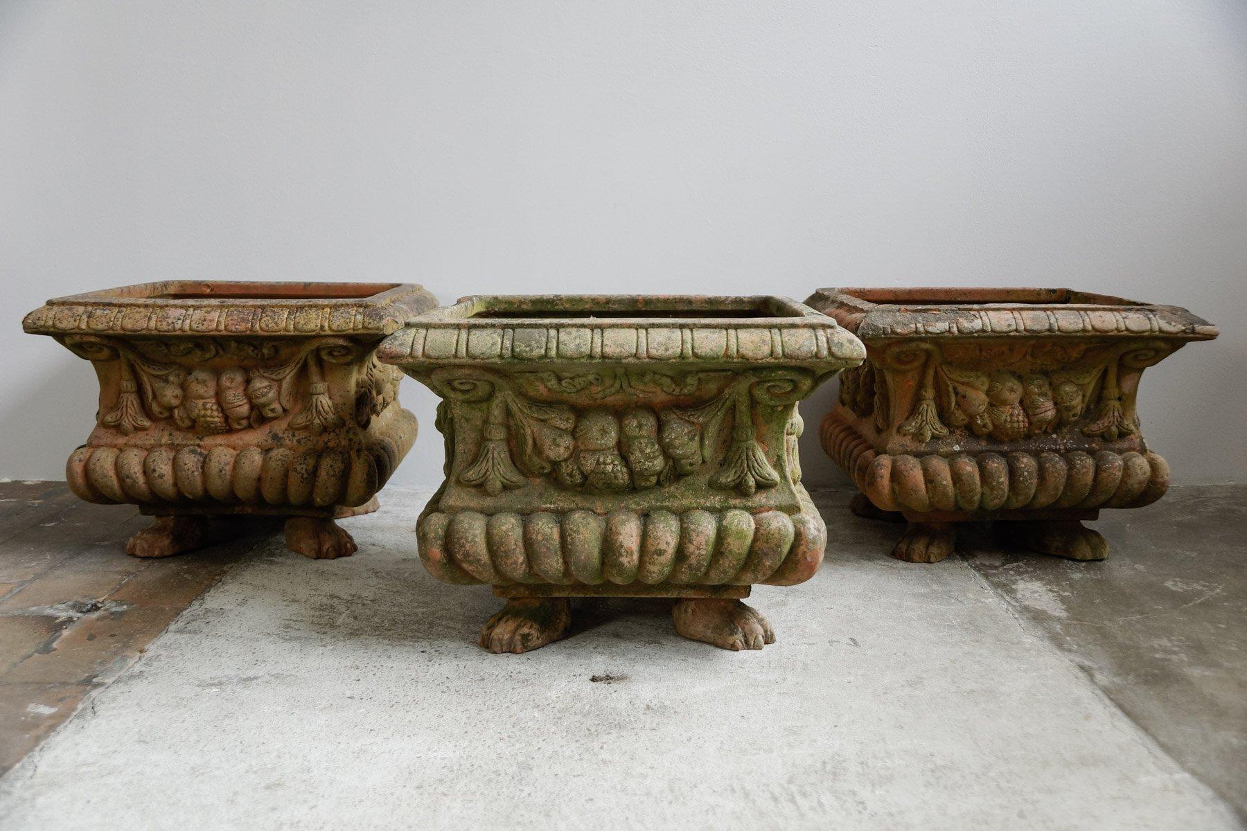 Vasi antichi in terracotta con piedi di leone inizio xx for Vasi antichi