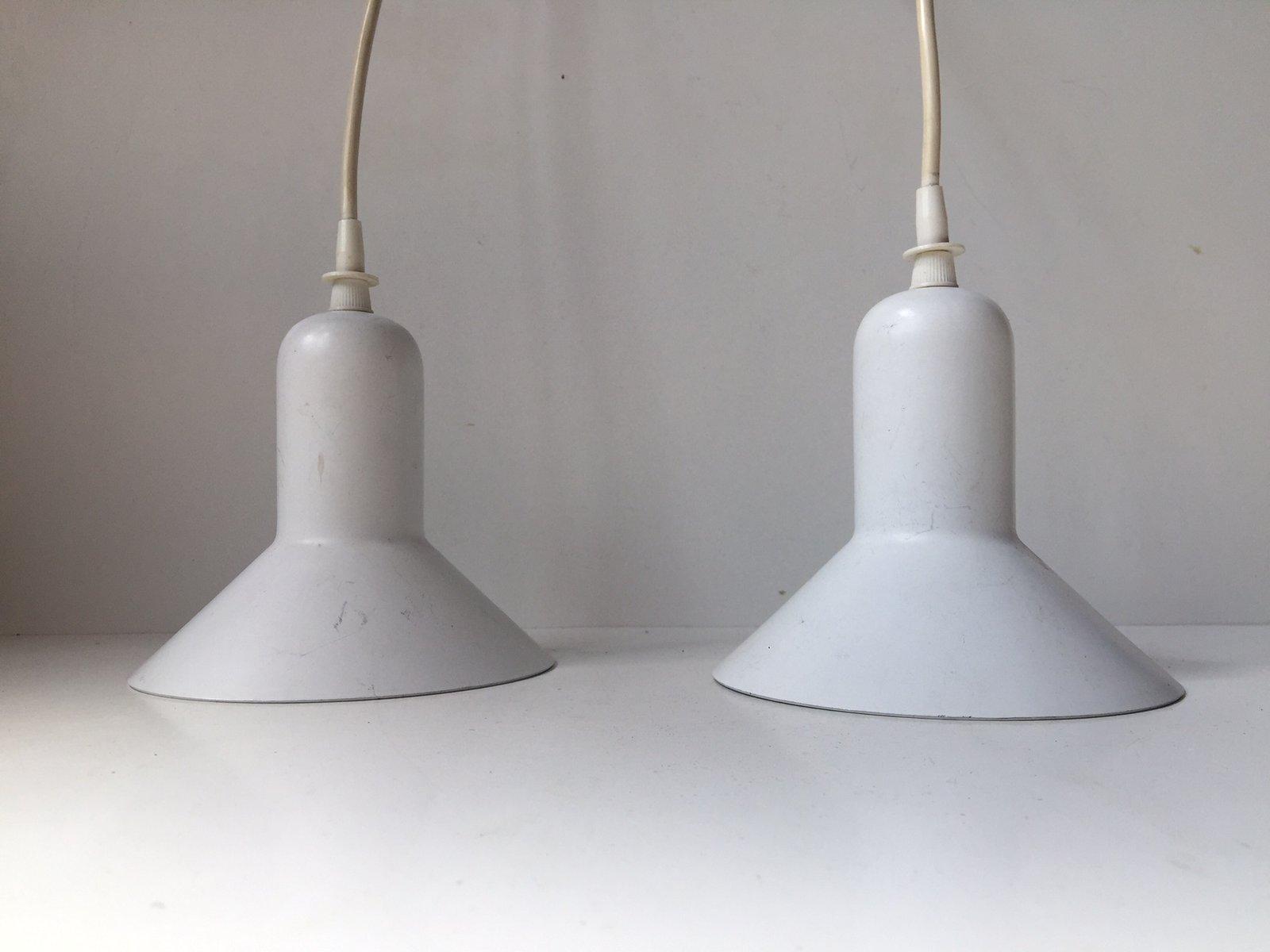 Weiße Dänische Minimalistische Hängelampen von Louis Poulsen, 1970er, ...
