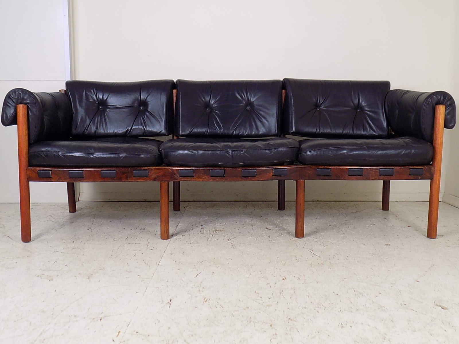 sofa aus palisander leder von arne norell f r coja 1960er bei pamono kaufen. Black Bedroom Furniture Sets. Home Design Ideas