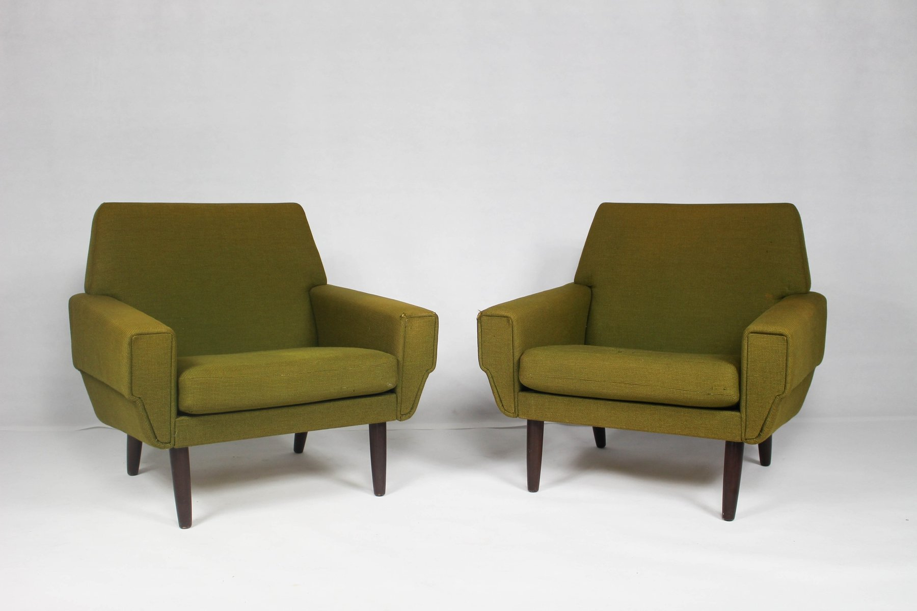 d nischer mid century sessel 2er set bei pamono kaufen. Black Bedroom Furniture Sets. Home Design Ideas