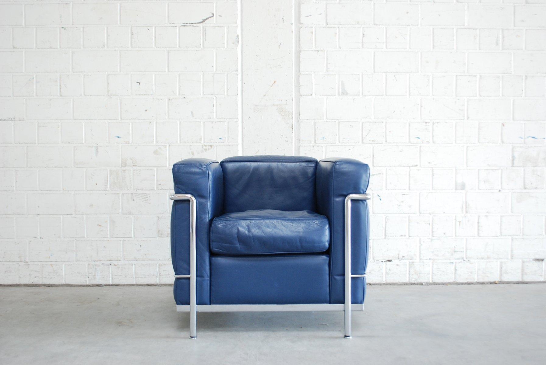 Blauer Vintage Modell LC2 Ledersessel von Le Corbusier für Cassina ...