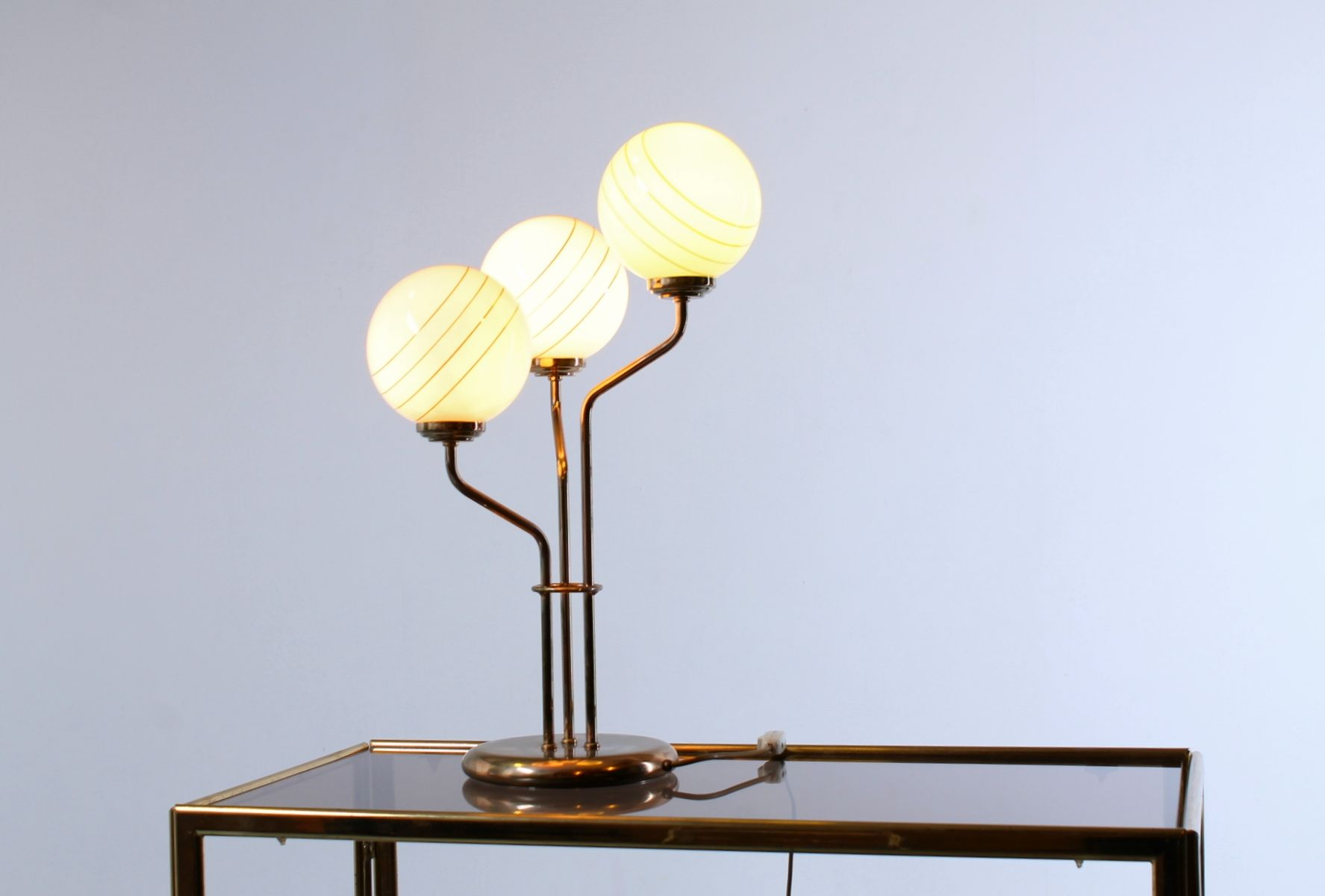Vintage Table Light In Br With Gl Globes