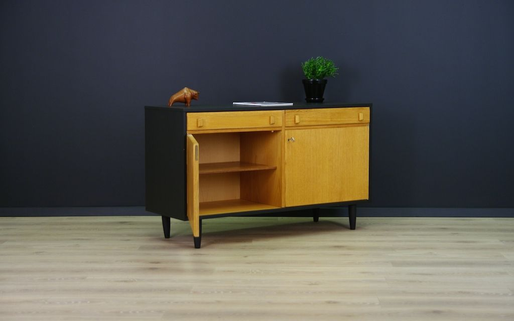 d nische minimalistische vintage eschenholz kommode bei pamono kaufen. Black Bedroom Furniture Sets. Home Design Ideas