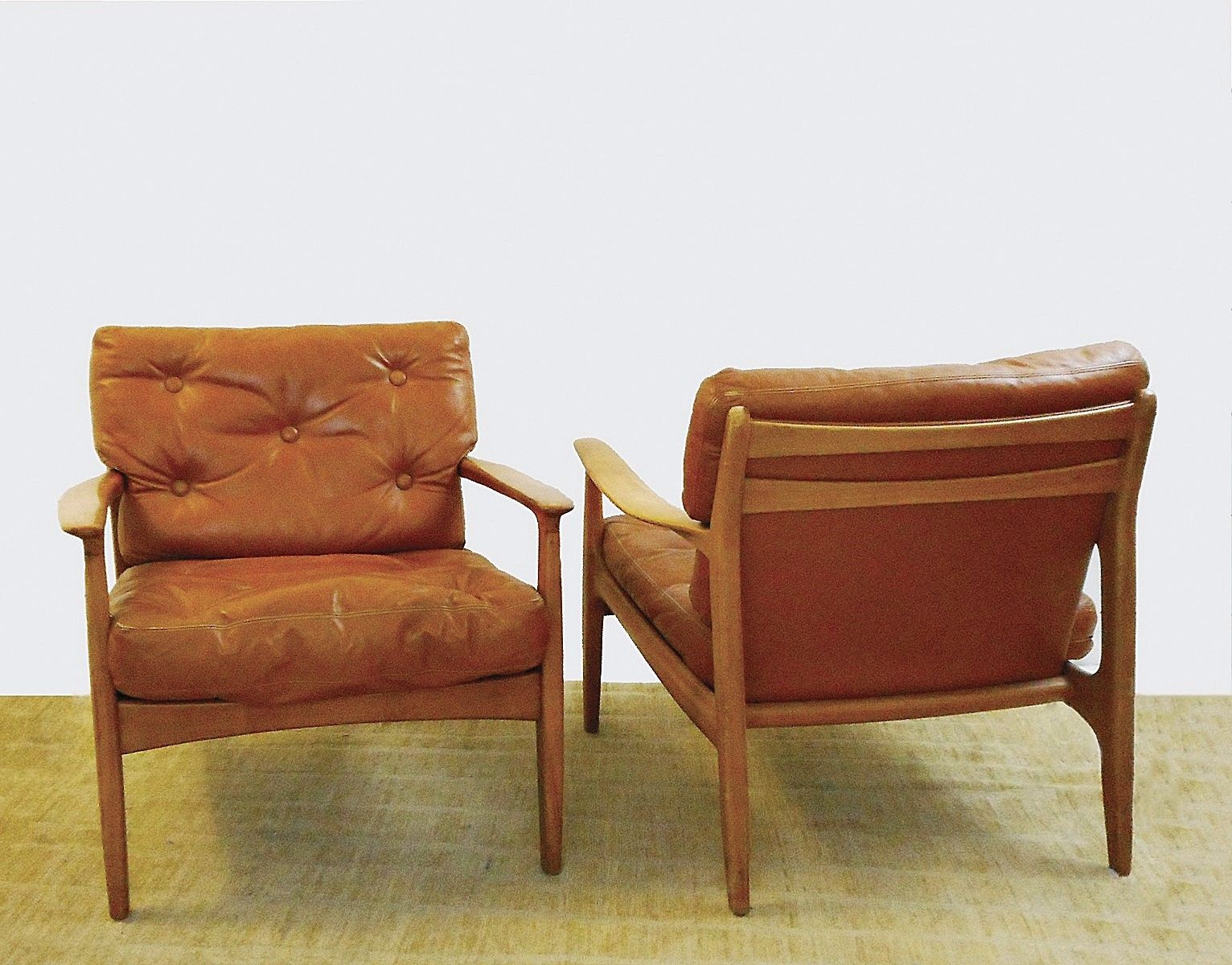 cognacfarbene mid century sessel aus leder holz 2er set bei pamono kaufen. Black Bedroom Furniture Sets. Home Design Ideas
