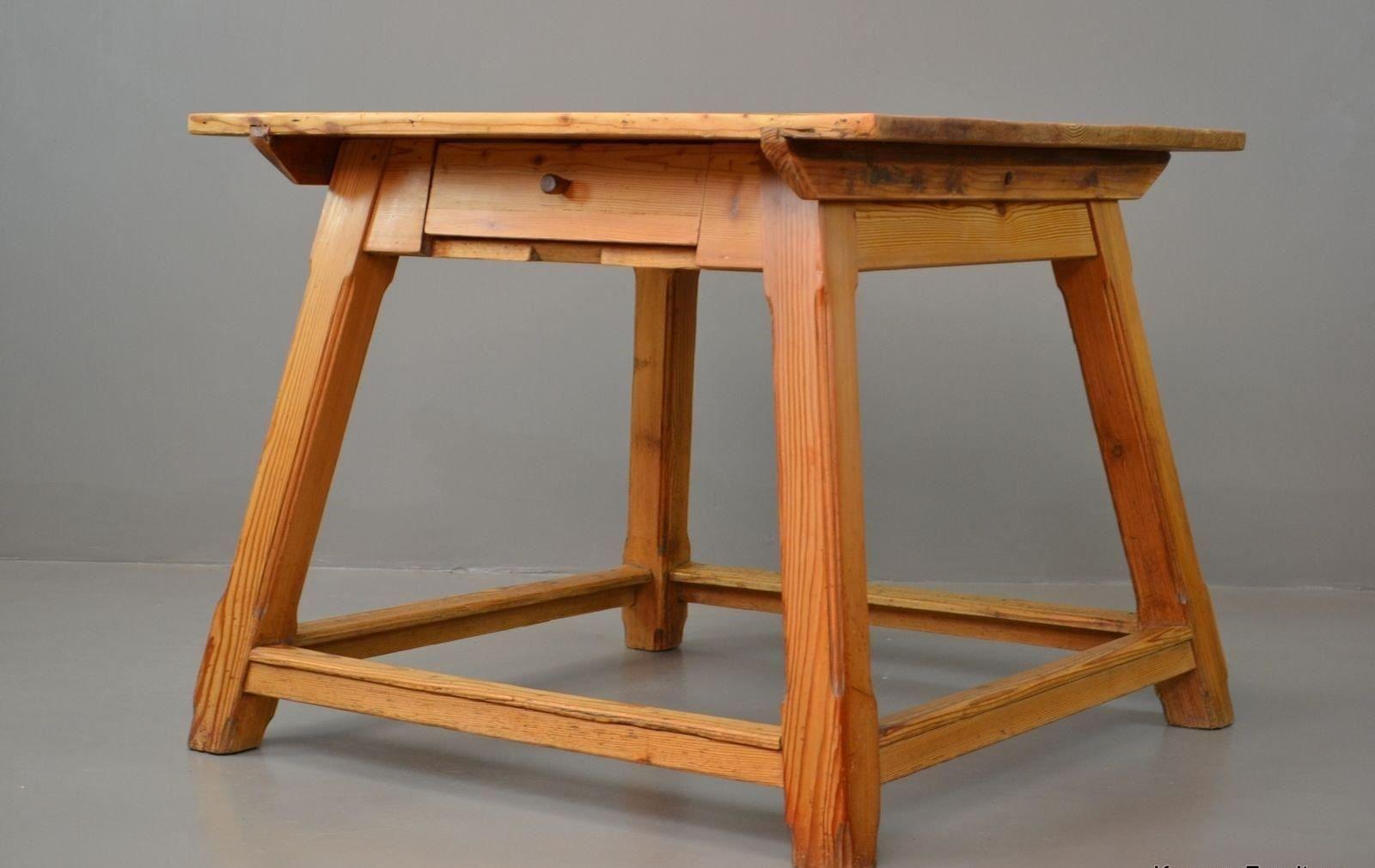 table de salle manger vintage arts crafts en pin en vente sur pamono. Black Bedroom Furniture Sets. Home Design Ideas