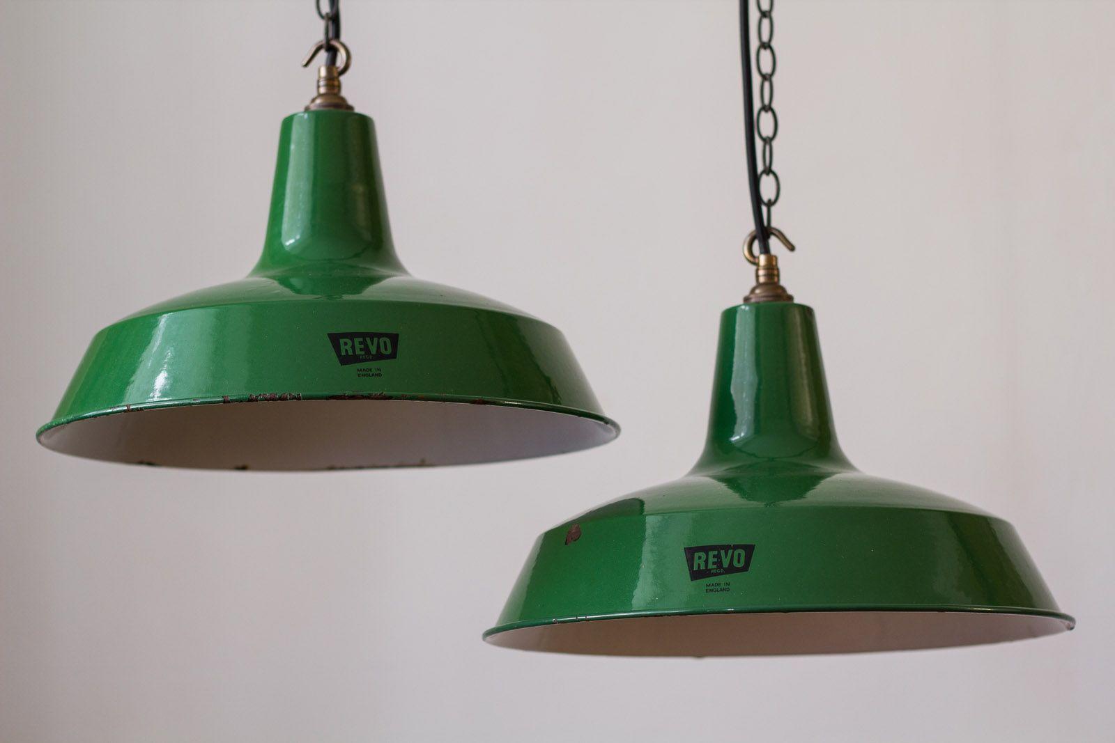 Grüne Vintage Emaille Fabrikhängelampe von Revo