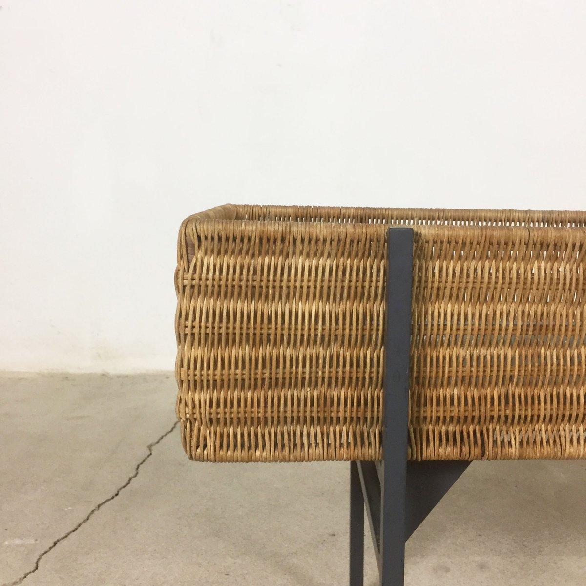 minimalistischer italienischer bertopf aus metall rattan 1960er bei pamono kaufen. Black Bedroom Furniture Sets. Home Design Ideas