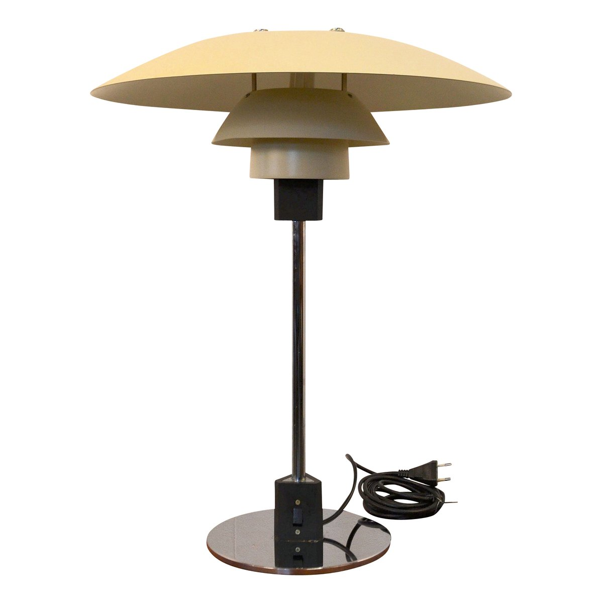 ph4 3 table lamp by poul henningsen for louis poulsen 1960s for sale at pamono. Black Bedroom Furniture Sets. Home Design Ideas