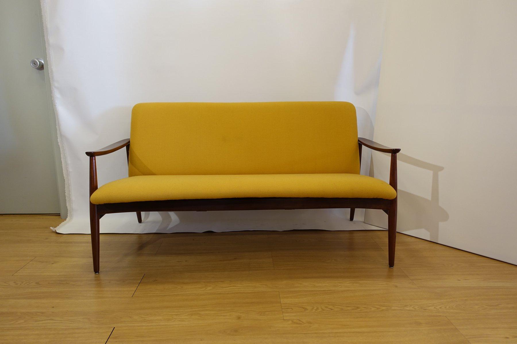 olaio 67 zwei sitzer sofa von jos espinho f r m veis olaio 1967 bei pamono kaufen. Black Bedroom Furniture Sets. Home Design Ideas
