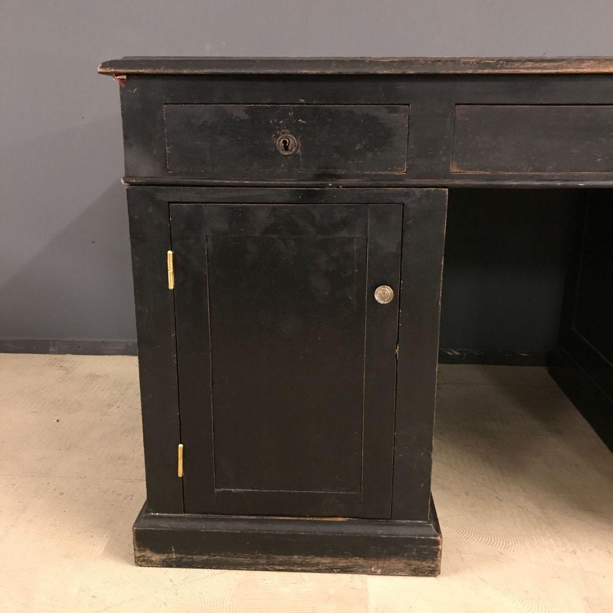 schwarzer schreibtisch mit schubladen 19 jh bei pamono. Black Bedroom Furniture Sets. Home Design Ideas