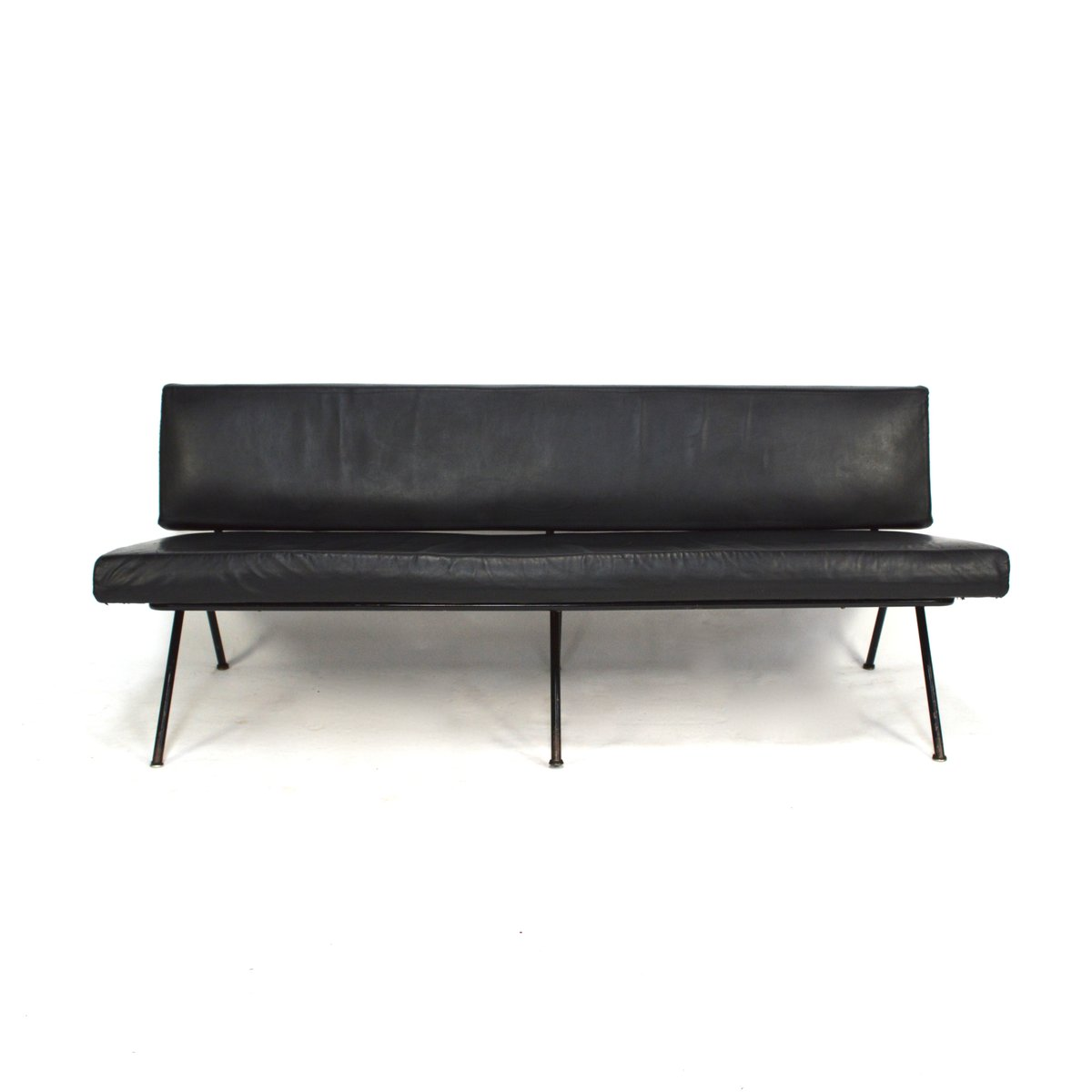 Model 32 Sofa By Florence Knoll For Knoll Inc., 1950s