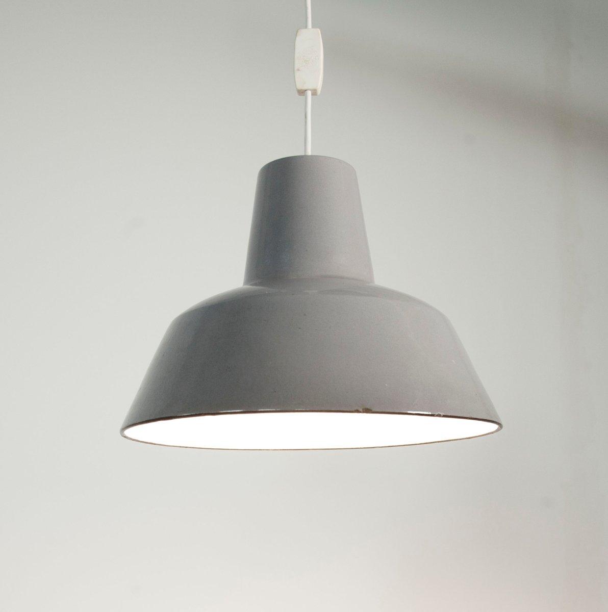 lampe suspension industrielle maill e grise en vente sur pamono. Black Bedroom Furniture Sets. Home Design Ideas