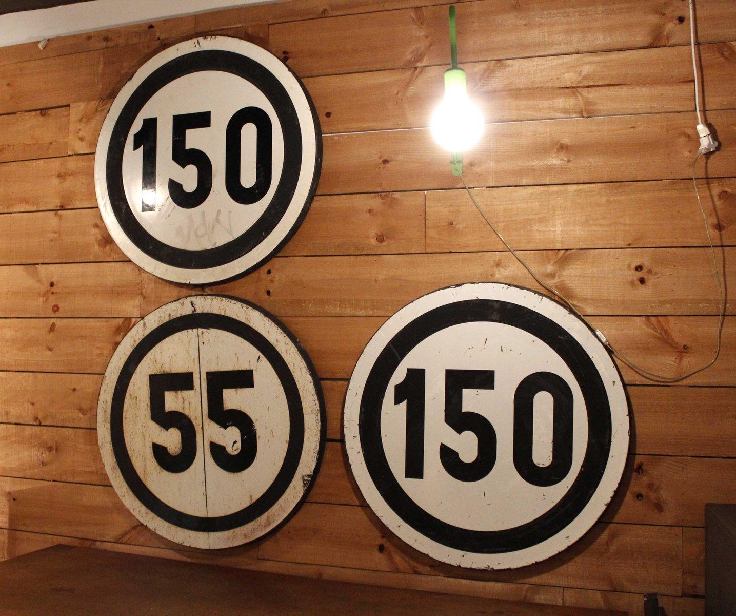 grand panneau de route limitation de vitesse 55 km h vintage en vente sur pamono. Black Bedroom Furniture Sets. Home Design Ideas