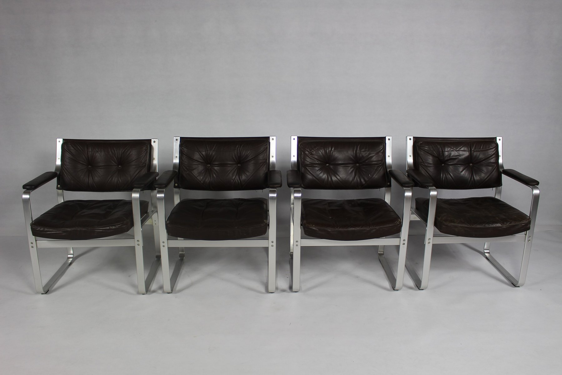 Mid-Century Mondo Sessel aus Aluminium & Leder von Karl-Erik Ekselius ...