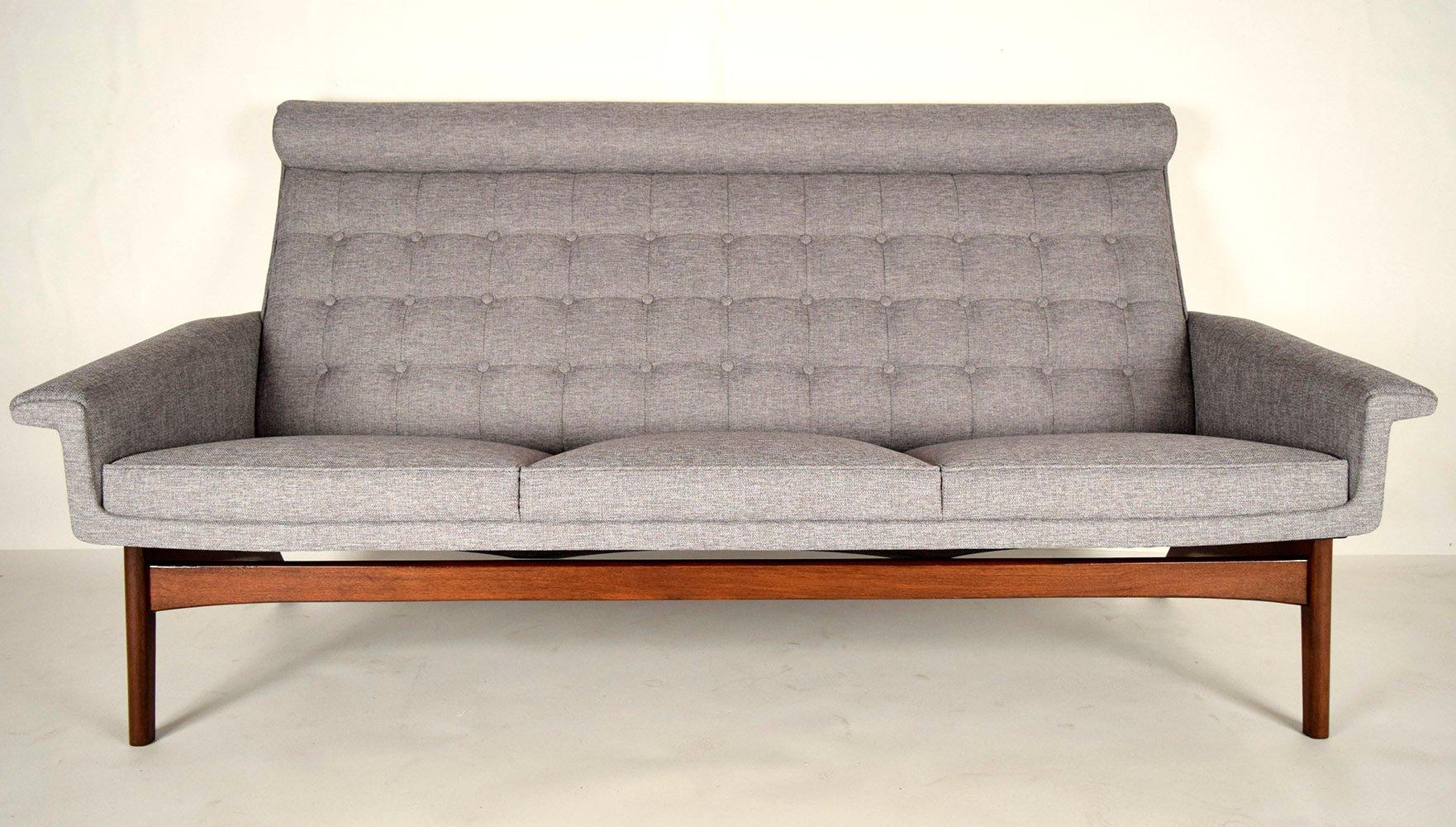 Mid-Century Modern Drei-Sitzer Sofa von Poul Jensen, 1960er