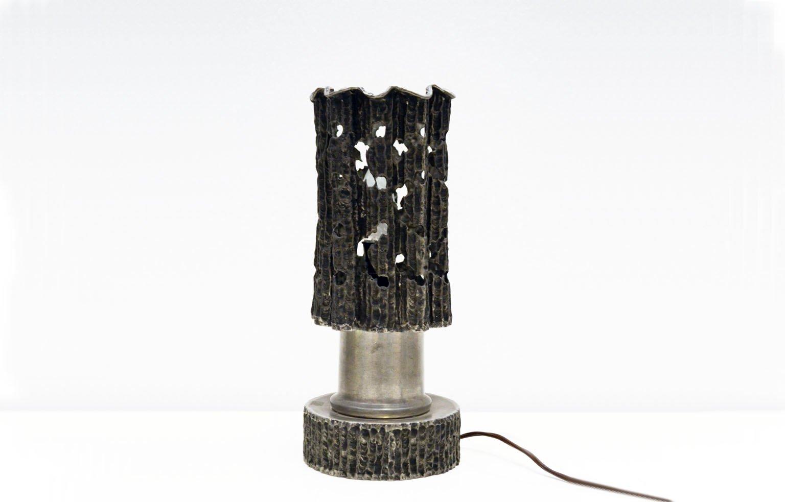 Handgemachte Skulpturale Italienische Tischlampe aus Zinn, 1970er