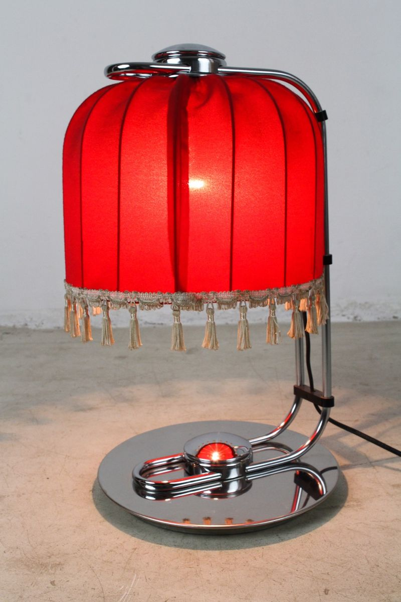 lampe de bureau en chrome avec un abat jour rouge 1960s en vente sur pamono. Black Bedroom Furniture Sets. Home Design Ideas