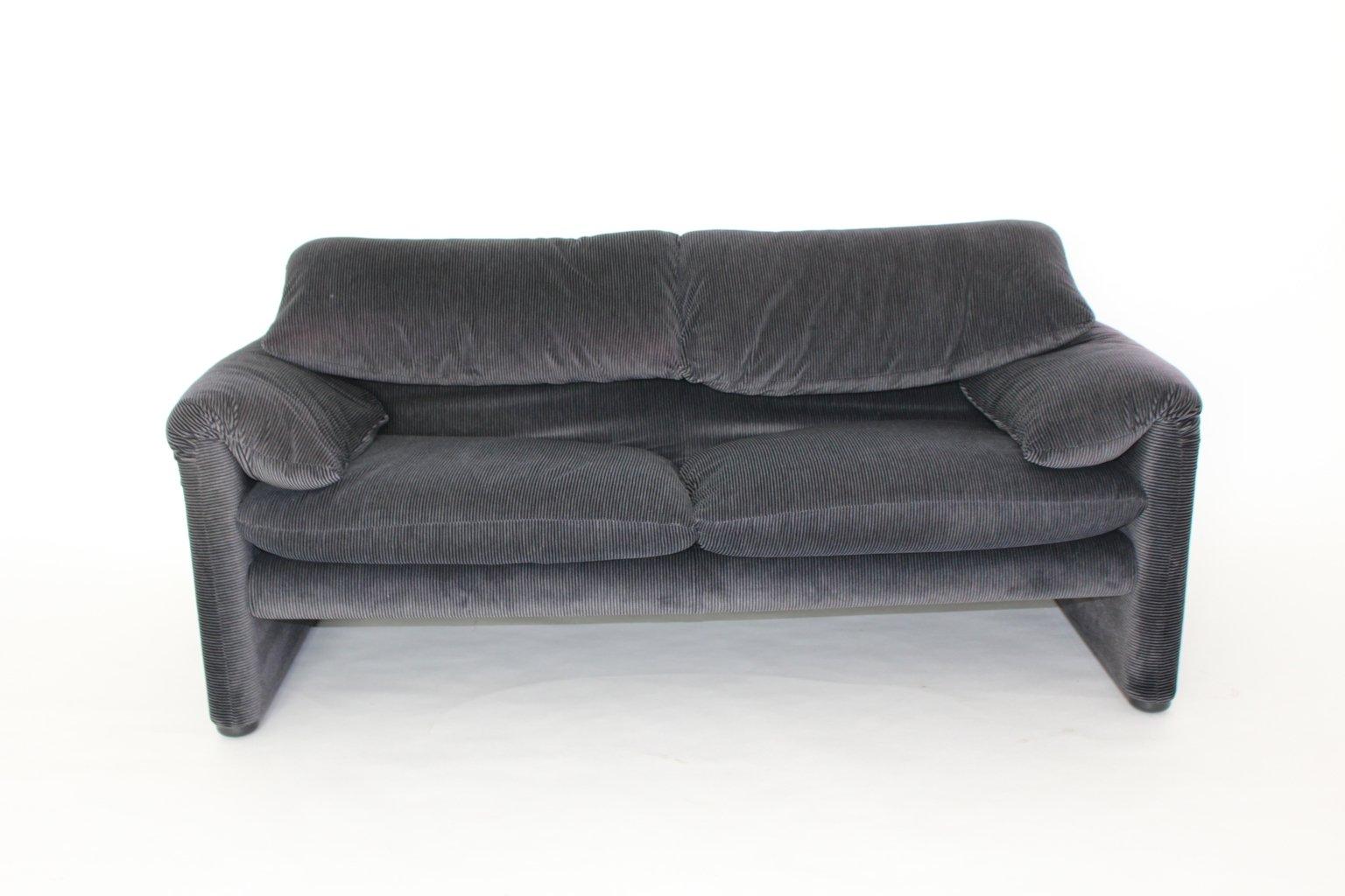 2 sitzer sofa maralunga von vico magistretti f r cassina. Black Bedroom Furniture Sets. Home Design Ideas