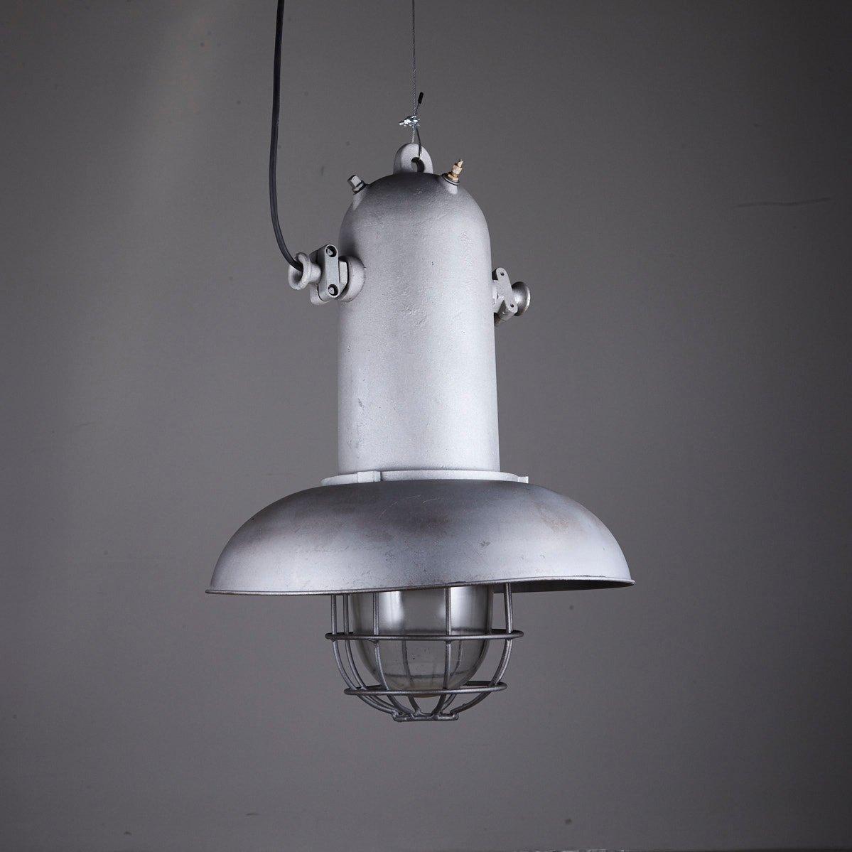 grande suspension industrielle vintage en vente sur pamono. Black Bedroom Furniture Sets. Home Design Ideas