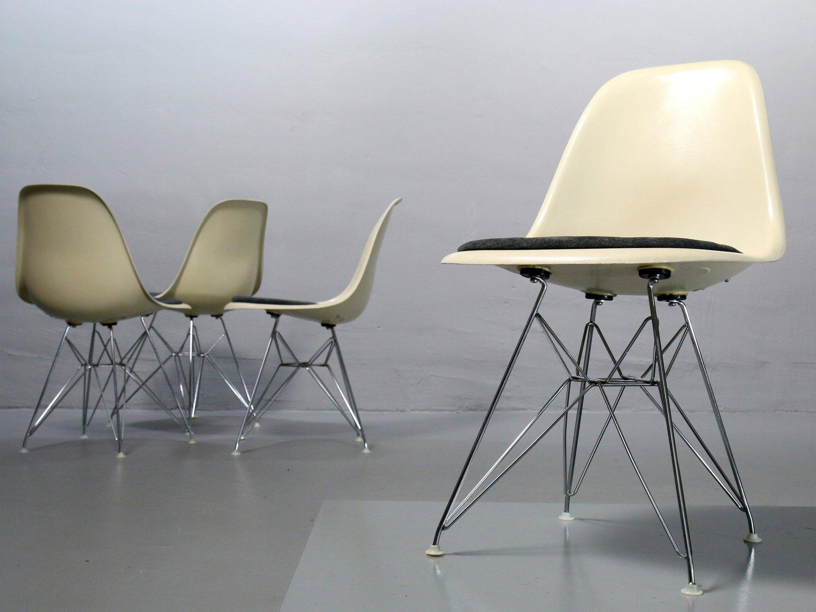 Feltrini Per Sedie Di Metallo : Sedie vintage di charles ray eames per vitra set di in