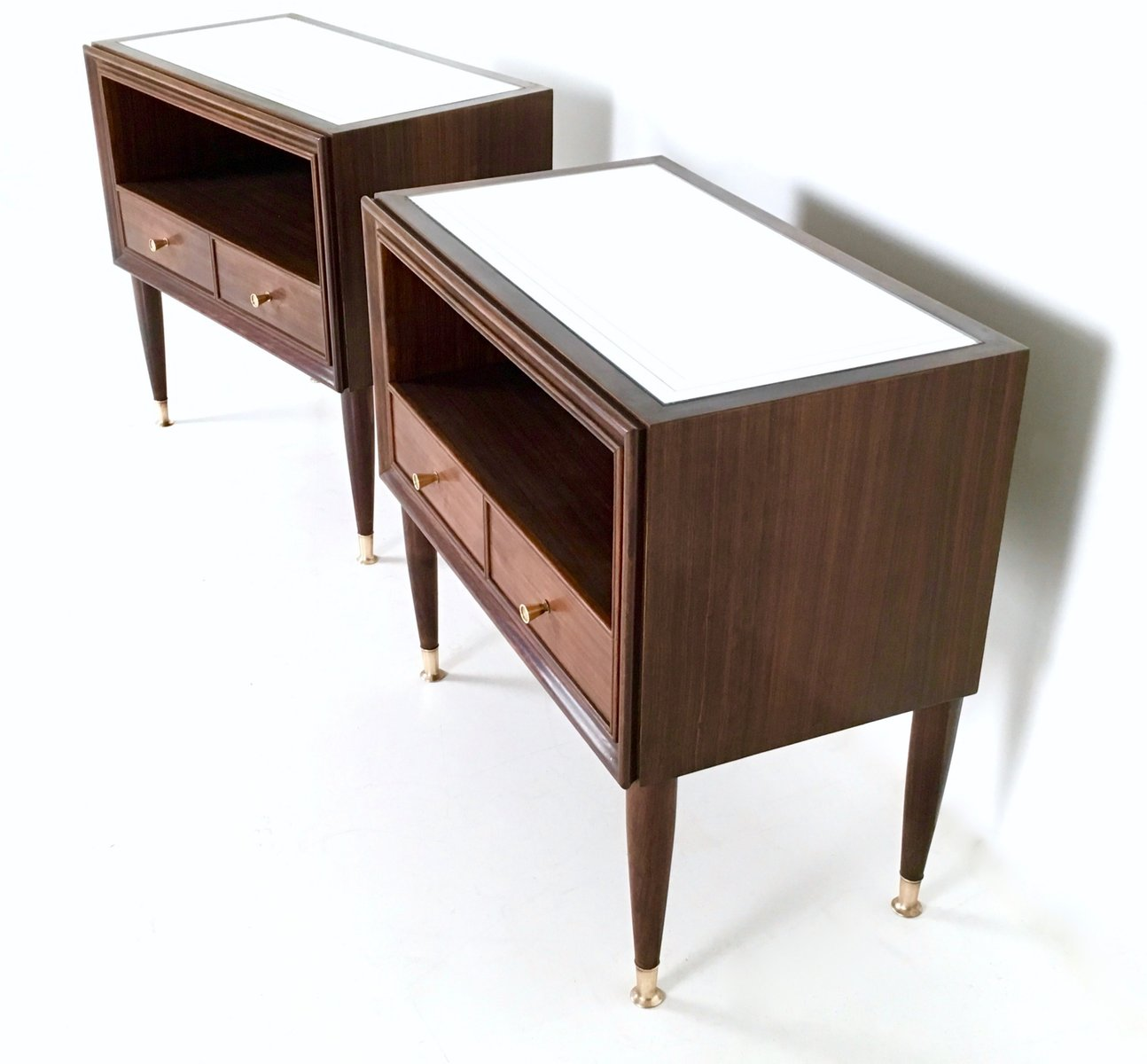 tables de chevet en acajou 1950s set de 2 en vente sur pamono. Black Bedroom Furniture Sets. Home Design Ideas