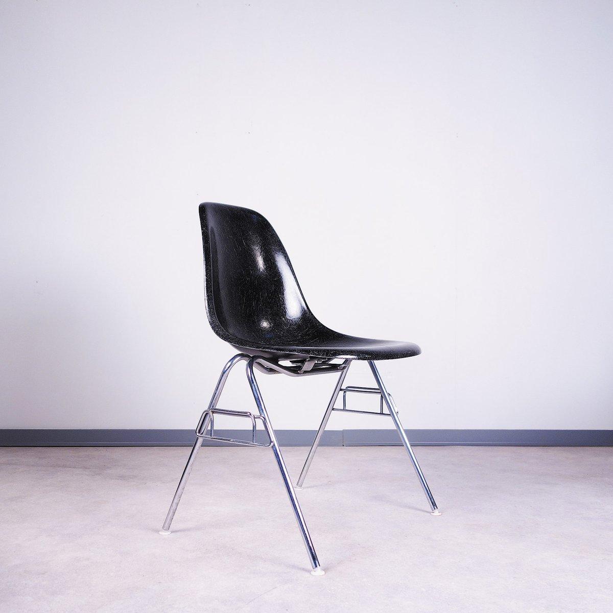 fiberglas st hle von charles ray eames f r vitra 2er set bei pamono kaufen. Black Bedroom Furniture Sets. Home Design Ideas