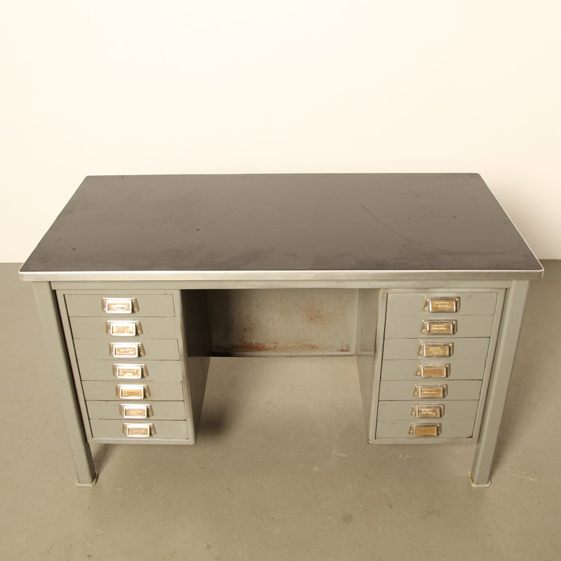 mid century schreibtisch mit 14 schubladen von gispen bei pamono kaufen. Black Bedroom Furniture Sets. Home Design Ideas