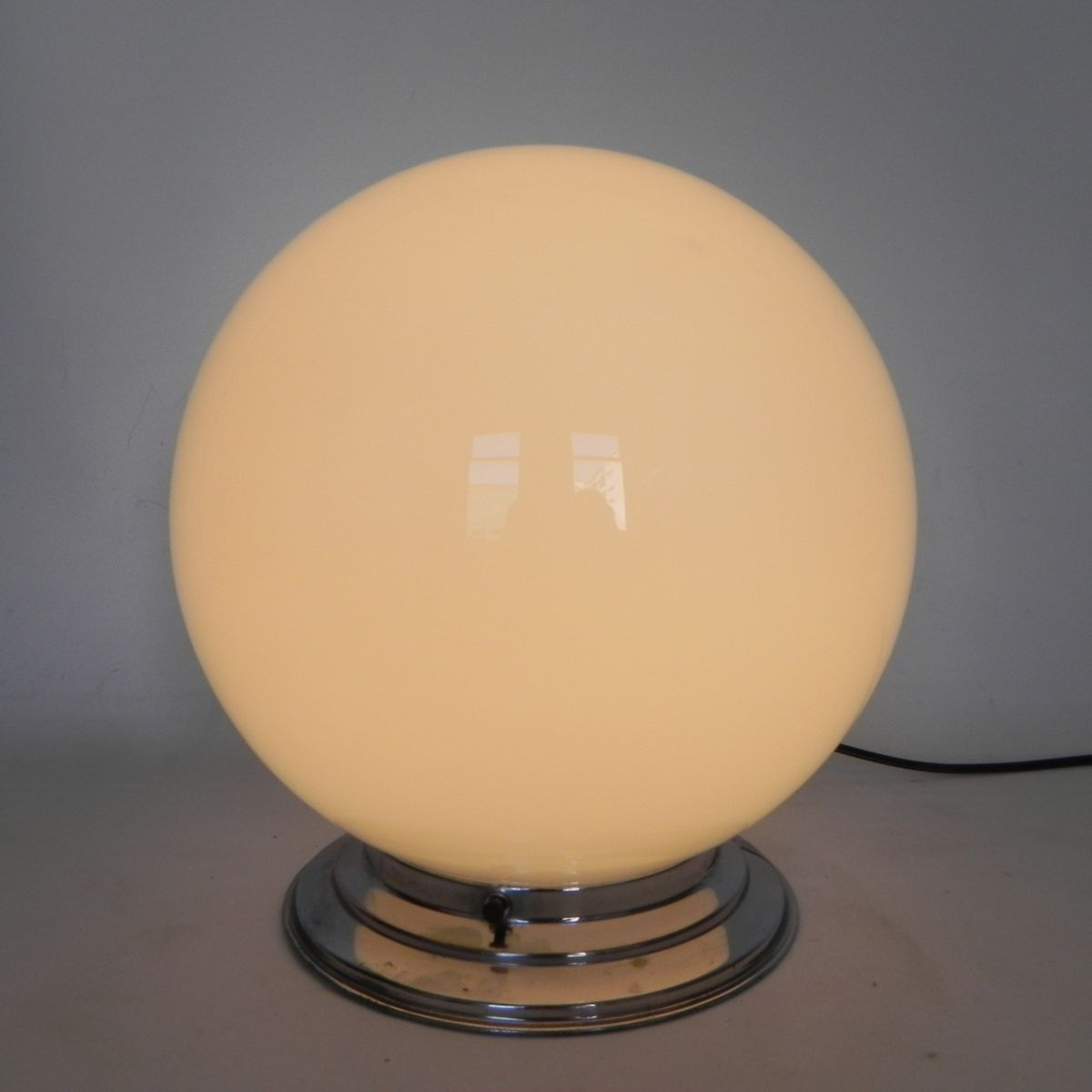 plafonnier art d co avec grand globe en verre france en vente sur pamono. Black Bedroom Furniture Sets. Home Design Ideas