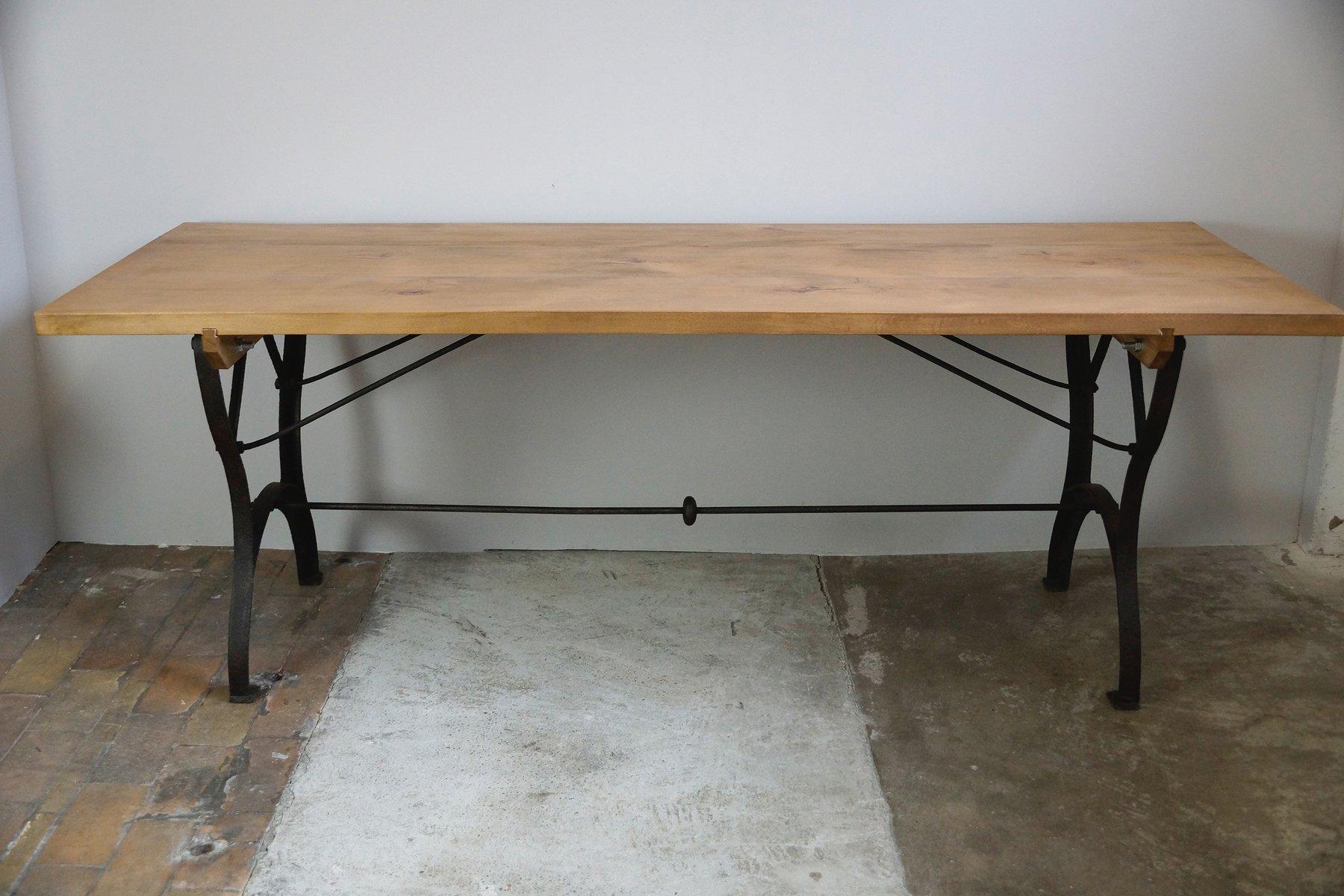table de salle manger vintage industrielle en vente sur pamono. Black Bedroom Furniture Sets. Home Design Ideas