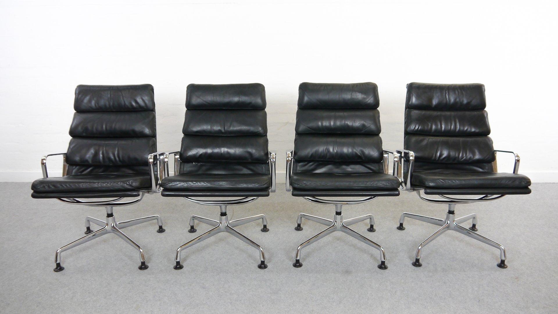Vintage EA 216 Sessel mit Weichem Sitzkissen von Charles Eames für Her...