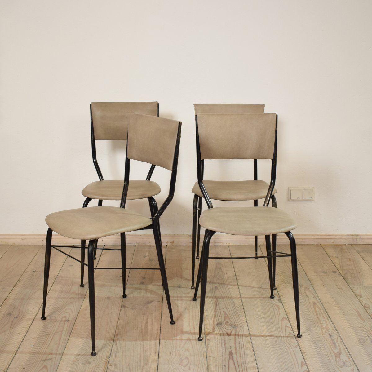 italienische mid century esszimmerst hle 4er set bei pamono kaufen. Black Bedroom Furniture Sets. Home Design Ideas