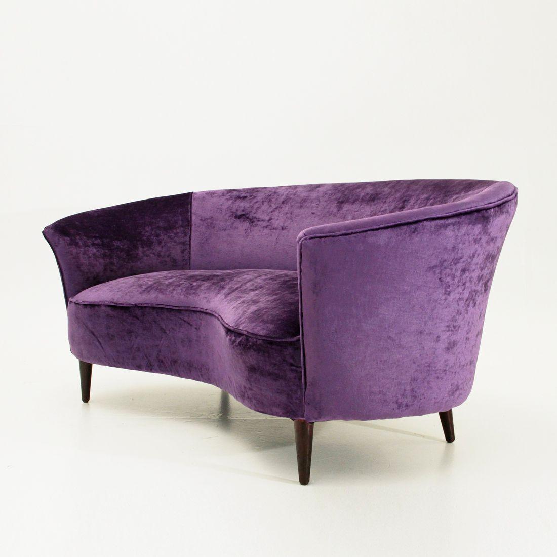 geschwungenes italienisches sofa aus samt 1950er bei pamono kaufen. Black Bedroom Furniture Sets. Home Design Ideas