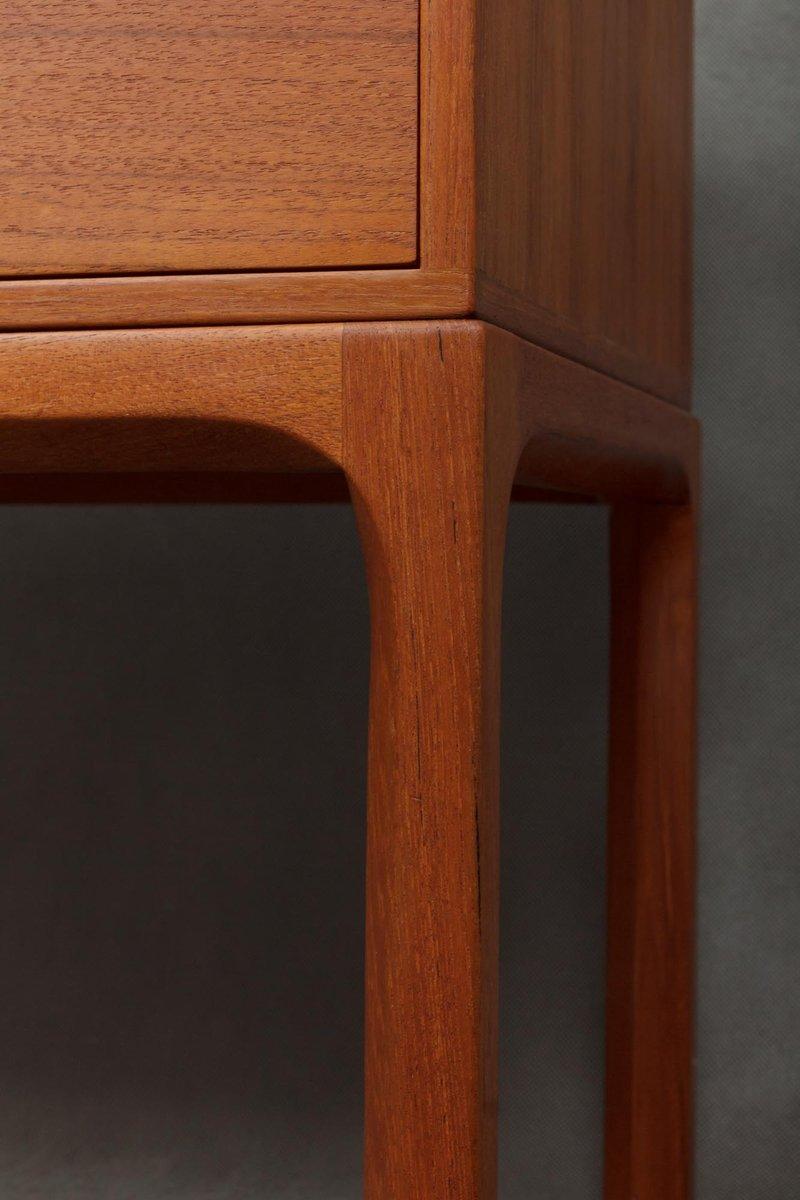 spiegel kleine kommode aus teak von aksel kjersgaard 1960er bei pamono kaufen. Black Bedroom Furniture Sets. Home Design Ideas