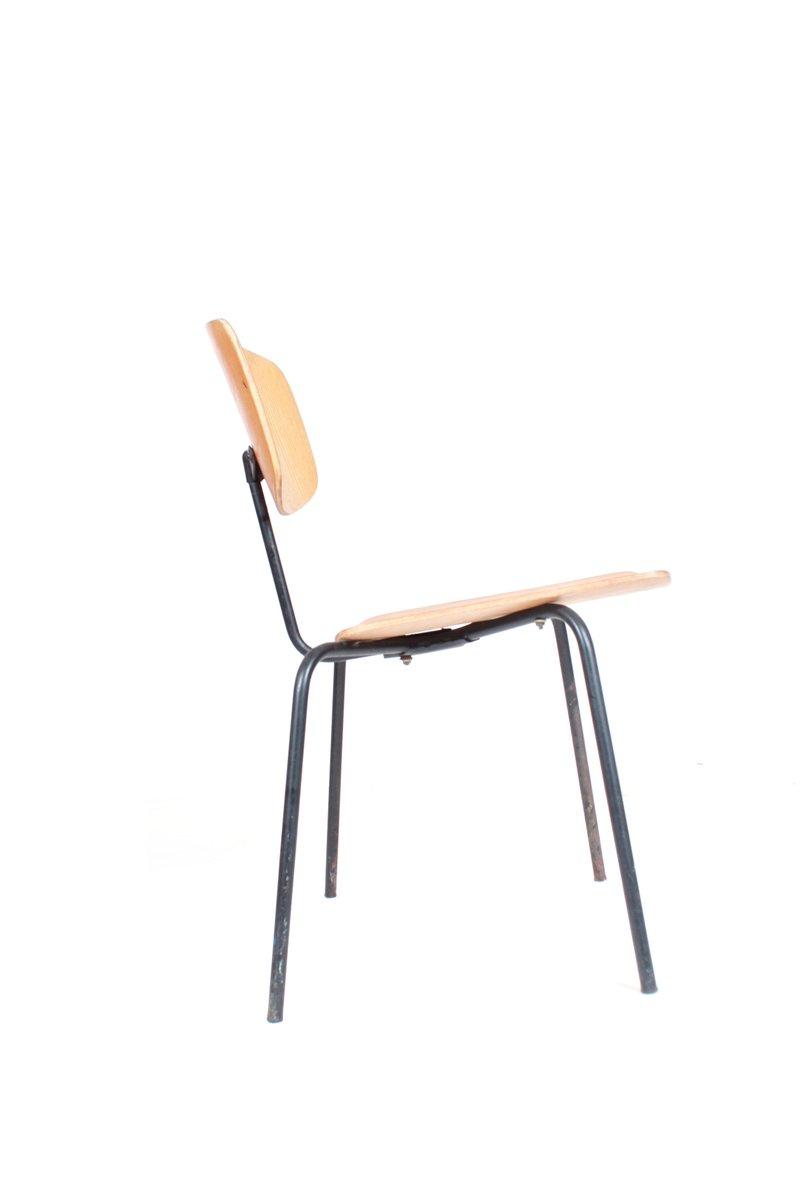 vintage stuhl aus metall und holz bei pamono kaufen. Black Bedroom Furniture Sets. Home Design Ideas